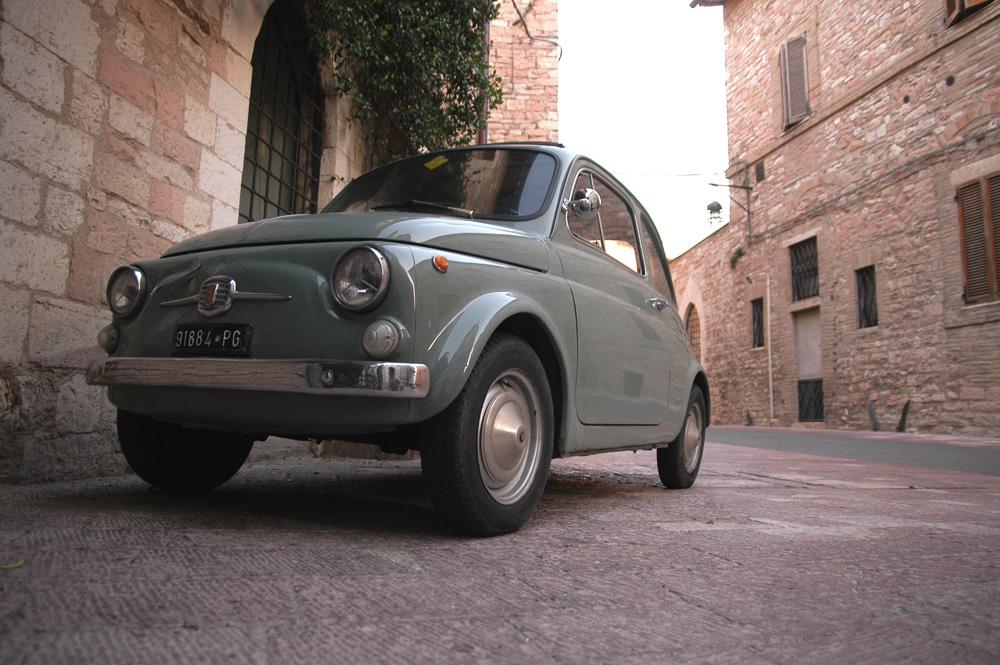 Assisi - Das ist der wahre Fiat Cinquecento!