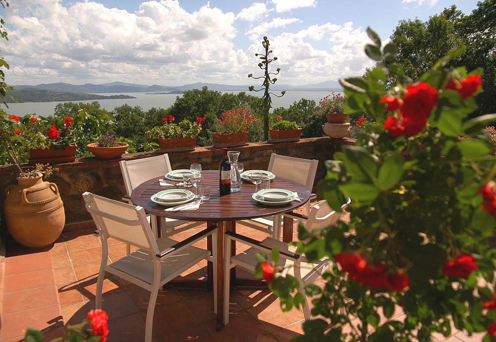 Traumhaftes Panorama auf der Terrasse (Wohnung Viola)