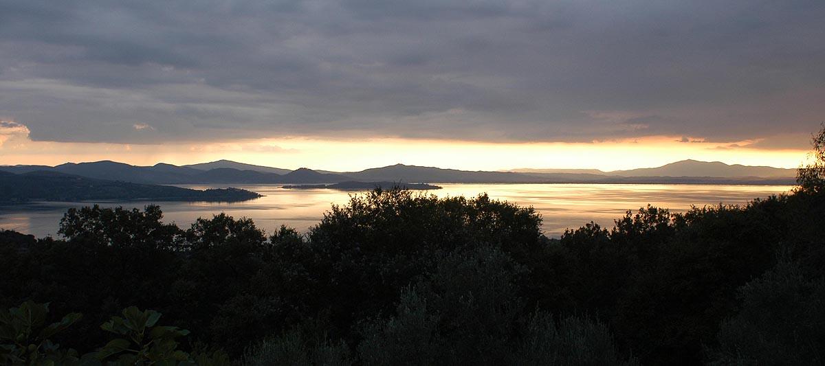 Panorama über dem Lago Trasimeno